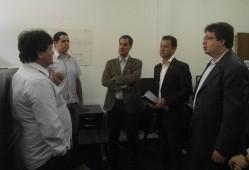 Professor Wilson Magela apresenta empresas em processo de incubação na UFLA.