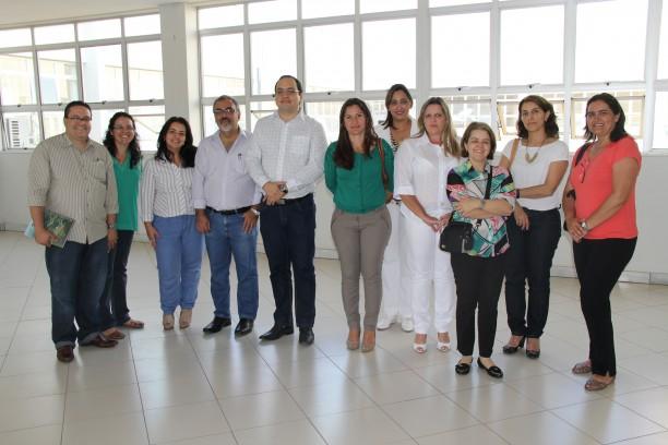 Membros da Comissão de Implantação do Curso de Medicina, da Ceaem-MEC e profissionais da rede pública de saúde na Urpa