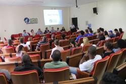 Reitor da UFLA, professor Scolforo, faz pronunciamento para acolher os novos estudantes