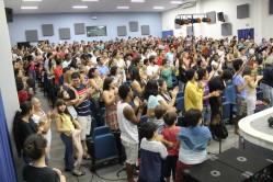 Público aplaude de pé o sucesso do espetáculo