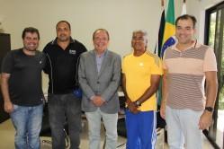 Reitor da UFLA, professor Scolforo, recebe o treinador cubano e equipe da UFLA