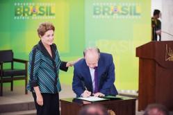 Na cerimônia de posse, Dilma afirmou que Renato Janine Ribeiro está à altura dos grandes educadores do país  (foto: Diego Rocha/MEC)