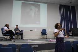 A professora Rosana Ramos destaca a importância do diálogo
