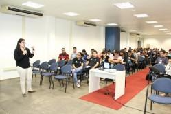 Luisa Hernández, estudante de mestrado em Ciência da Computação da UFLA, recebeu Menção Honrosa pela apresentação