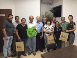 """Reitor da UFLA, professor Scolforo, recebe pesquisadores do projeto """"Viviendas Sociales de Madera: autoconstrución"""""""
