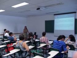 professora Eliana Frade apresneta pesqusia de doutorado sobre diretrizes curriculares para a educação ambiental