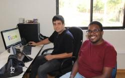 Dois dos integrantes da Tazzo, Ítalo e Lucas