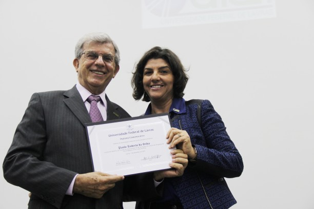 Primeiro coordenador do programa de Pós-Graduação em Administração Rural, hoje Administração, professor Paulo Roberto Silva