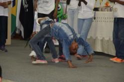 Apresentação de dança de grupo do Ceacad.
