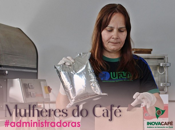 Essa é Adriana da Silva, ela é responsável pela embalagem e distribuição do café produzido pela InovaCafé, através da sua atuação, Adriana prova que lugar de mulher é onde ela quiser.?#?mulheresdocafé? ?#?administradoras?