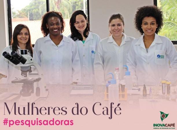 Essas são algumas das nossas pesquisadoras, elas atuam no desenvolvimento de análises no Laboratório de Anatomia e Fisiologia do Cafeeiro, através do seu trabalho, elas provam que lugar de mulher é onde ela quiser. ?#?mulheresdocafé? ?#?pesquisadoras?
