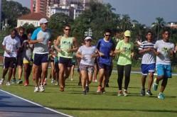Treino da equipe com acompanhamento do professor Fernando Oliveira