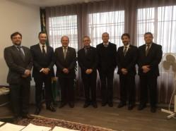 Representantes da UFLA, Universidade de Berna, Itamaraty e Promotoria durante cerimônia na Suíça