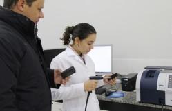 Professor Paulo Ricardo Gherardi Hein e a estudante Fernanda Maria Guedes Ramalho