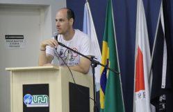 """Professor Raoni Machado: """"Construímos conhecimento, compartilhamos ideias e elaboramos novos desafios."""