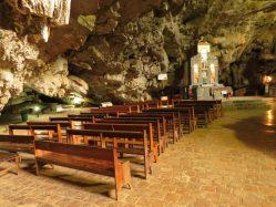 Interior da caverna da Mangabeira