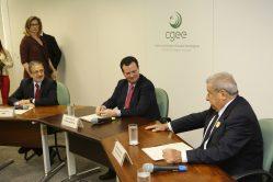 Ministro Gilberto Kassab participou de reunião no CGEE sobre a plataforma de informações científicas. Crédito: Ascom/MCTIC