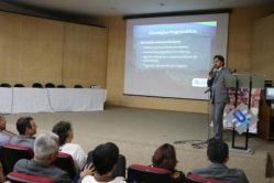 Professor Antonio Chalfun Júnior, diretor de Relações Internacionais da UFLA, durante sua apresentação. Foto: Ascom/Unifal